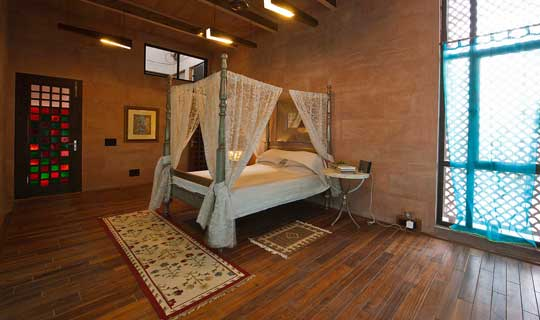 Bedroom incorporating traditional Architectural elements
